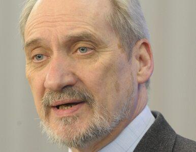 Macierewicz: Nałęcz i Niesiołowski ukrywają informacje o Smoleńsku