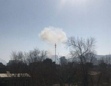 Talibowie zorganizowali krwawy zamach. Bomba ukryta w karetce zabiła...