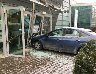 Sopot: Wjechał samochodem w drzwi Aquaparku. Twierdził, że chciał zrobić...