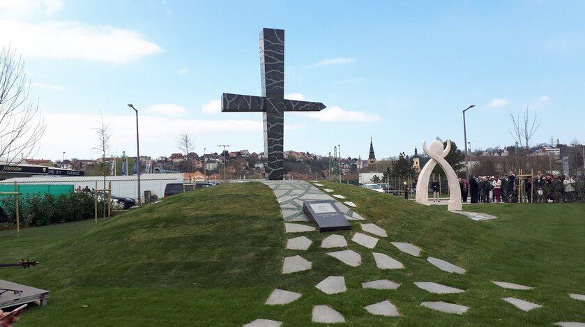 """Uroczyste odsłonięcie pomnika """"Memento-Smoleńsk"""""""