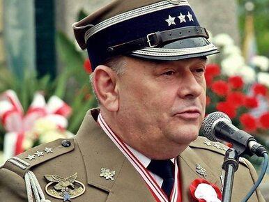 Pułkownik Mazguła wezwany na policję. Chodzi o zakaz noszenia munduru