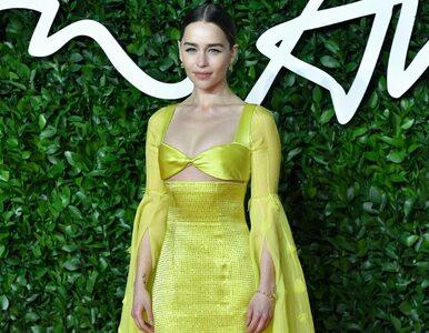 """Emilia Clarke szczerze o swojej chorobie i śmierci ojca. """"To otworzyło..."""