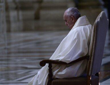 Papież Franciszek modlił się na pustym placu św. Piotra o ustanie...