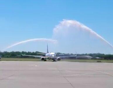 Łódź. Lotnisko znów działa, Ryanair powitany po królewsku, promocje na loty