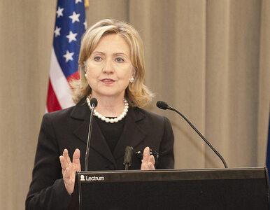 FBI odkryło 15 tysięcy maili Hillary Clinton. Potwierdzają kontakty z...