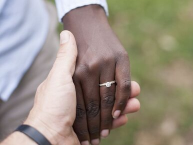 73-letnia Szwedka wzięła ślub z trzecim Gambijczykiem. Urzędnicy mają...