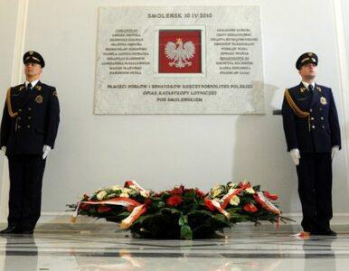 Życie po narodowej tragedii - smoleńskie kalendarium