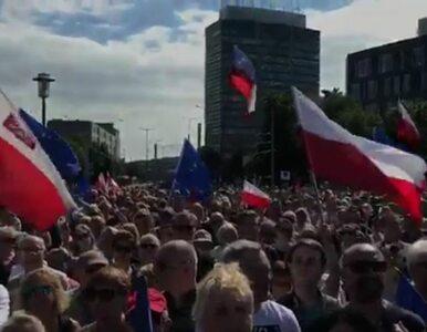 Wałęsa na proteście w Gdańsku: Młodzi ludzie, musicie odzyskać...