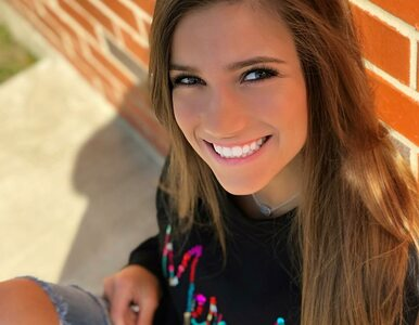 Ma 22-lata i jest gwiazdą serialu Netfliksa. Cheerleaderka skradła serca...