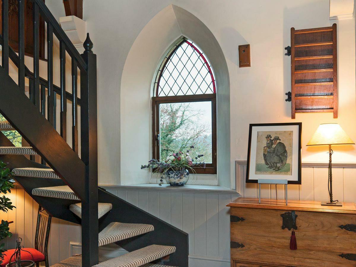Kaplica przerobiona na apartament