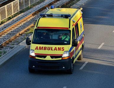Tragedia w Tarnowskich Górach. 77-latek zmarł przed sklepem