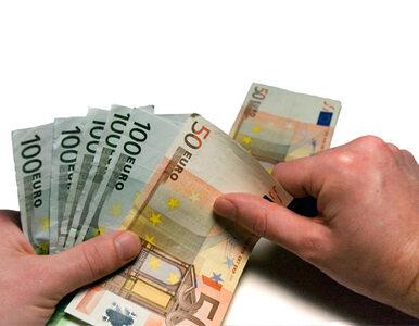 Niemcy będą o połowę więcej płacić azylantom