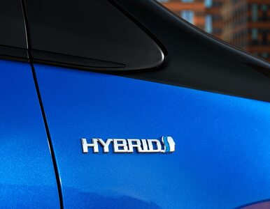 Połowa sprzedawanych Toyot to hybrydy. Po raz pierwszy