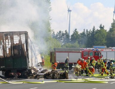 Wypadek autokaru w Niemczech. Co najmniej 18 zabitych. Wydobyto 11 ciał