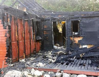 """Podpalacz domu bohaterki programu """"Nasz nowy dom"""" usłyszał zarzuty...."""