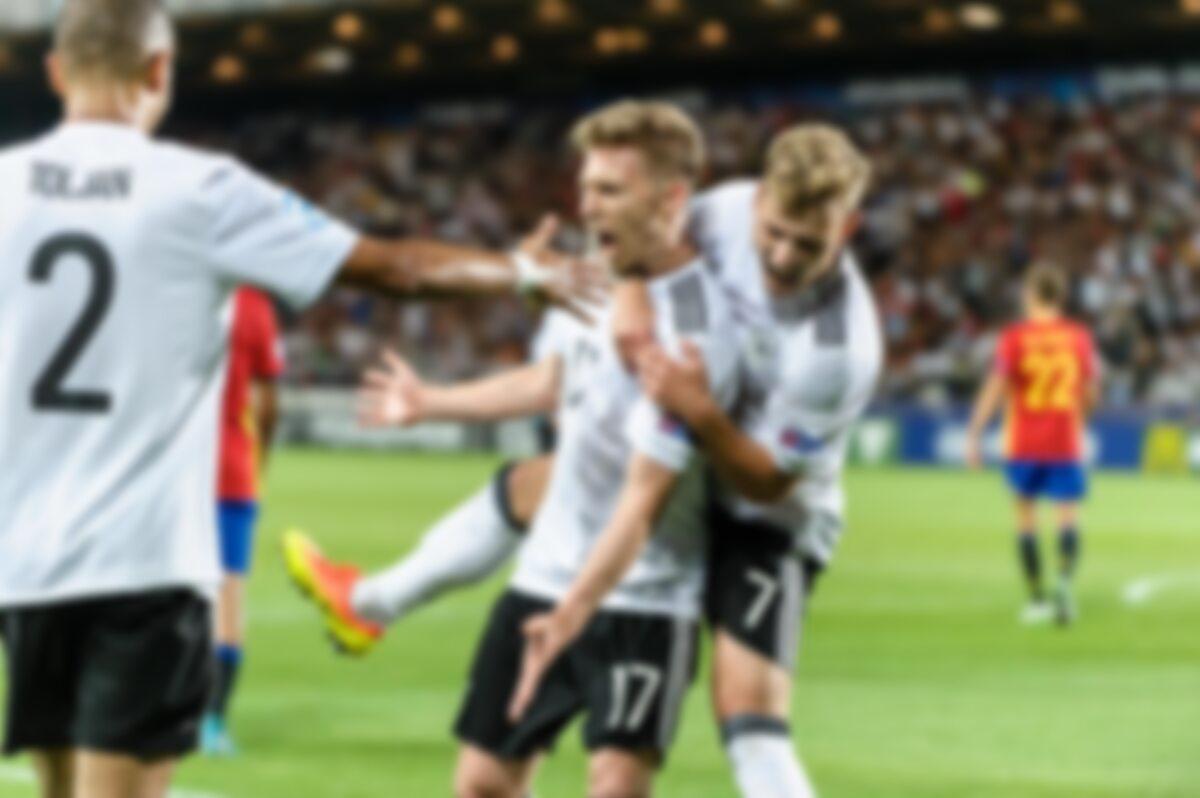 Radość Niemców po golu w meczu z Hiszpanią
