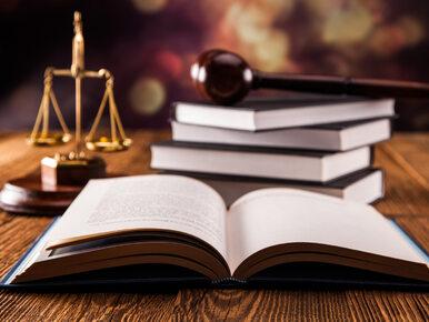 Sędzia z Wrocławia oskarżony o kradzież. Zarzuty usłyszała też jego żona