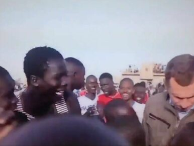 Nie dawali spokoju reporterowi TVN. Nagle pojawił się człowiek z kijem