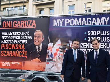 """Nowa kampania billboardowa Prawa i Sprawiedliwości. """"Oni gardzą, my..."""