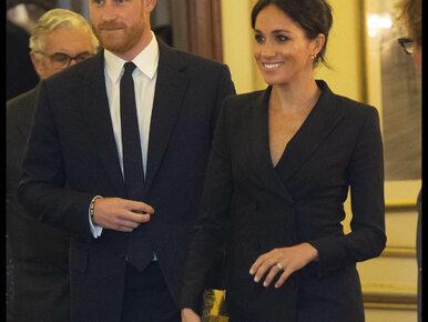 Księżna Meghan założyła sukienkę mini. Co z królewską etykietą?