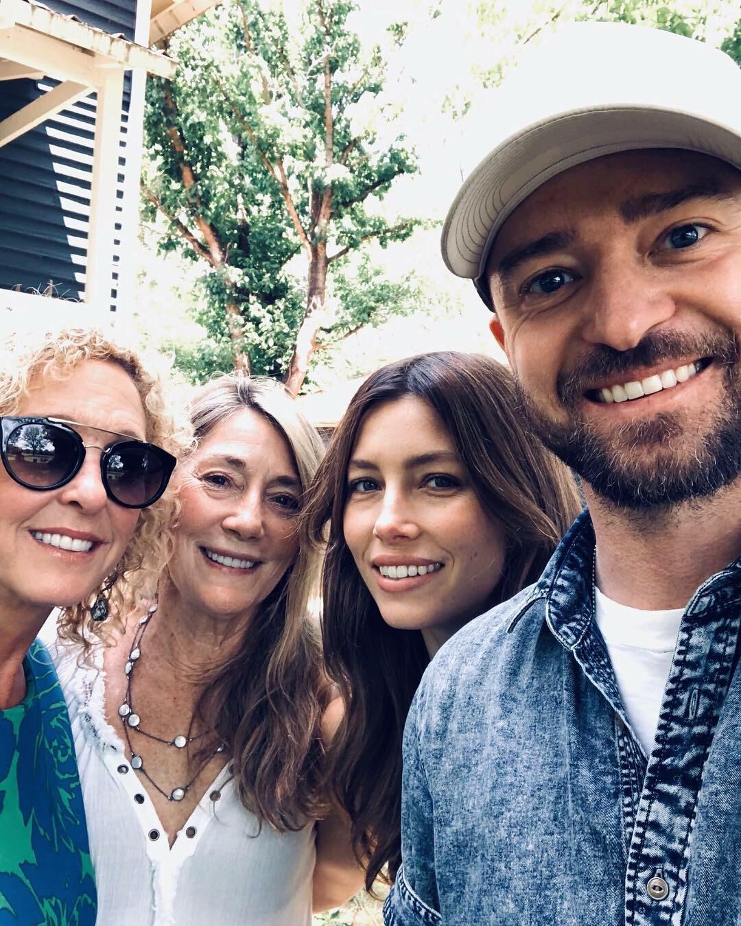 Justin Timberlake z matką, teściową i żoną