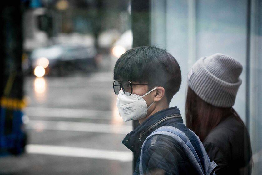 Maska mająca chronić przed koronawirusem
