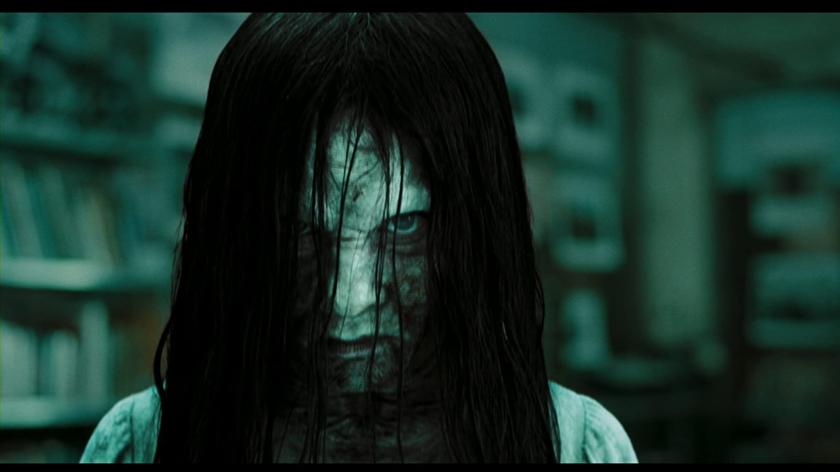 "Daveigh Chase jako Samara w filmie ""The Ring"" (2002)"