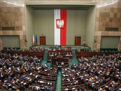 Sondaż. PiS ze spadkiem poparcia, Nowoczesna poza Sejmem