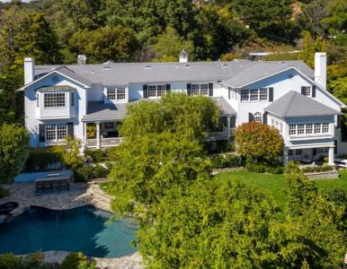 Jak mieszkają Ashton Kutcher i Mila Kunis? Chcą sprzedać dom za 13,995...