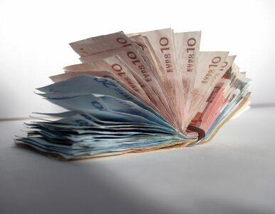 Nie ufał bankom, więc przyniósł 50 tysięcy na...